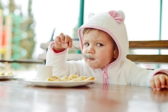 Portare i bambini al ristorante consigli per intrattenerli - Portare bambini ...
